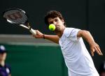 Wimbledon Championships 2011, AELTC,London,.ITF Grand Slam Tennis Tournament , Philipp Petzschner (GER), Einzelbild,Aktion,Halbkoerper,Querformat,.
