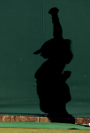 Wimbledon Championships 2011, AELTC,London,.ITF Grand Slam Tennis Tournament.Rasenturnier,Schatten von einem Ballmaedchen auf der Seitenplane,Hochformat,Feature,