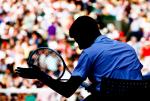 Wimbledon Championships 2011, AELTC,London,.ITF Grand Slam Tennis Tournament, Schattenprofil von Novak Djokovic (SRB) ,Symbol,Halbkoerper,Querformat,