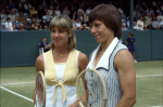 Wimbledon Championships London England 27/06/1980..Chris Evert Lloyd (USA) Martina Navratilova (CZE)..Photo Roger Parker Fotosports International..