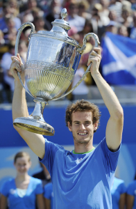13/6/2010 QUEENS CLUB TENNIS.AEGON CHAMPIONSHIP FINAL.ANDY MURRAY V WILFRIED TSONGA.ANDY MURRAY WINS IN 3 SETS.PICTURE BY DAVE SHOPLAND .